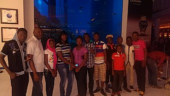 Students at Worlds largest indoor aquarium